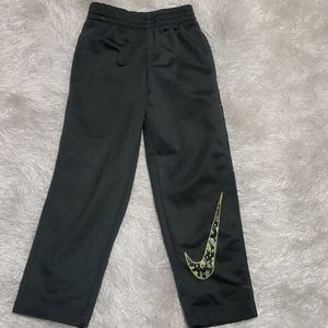 Nike kids Sweat Pants - $10 - sz 3T.